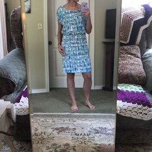 Blue/teal patterned causal dress.